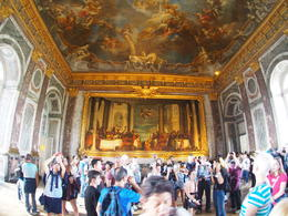 First Salon you'll see in the palace. Note the crowds. , keeleycollins037 - November 2017