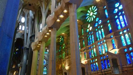 Billet coupe file tour de la sagrada familia barcelone avec un guide germanophone garantie - Billet coupe file sagrada familia ...