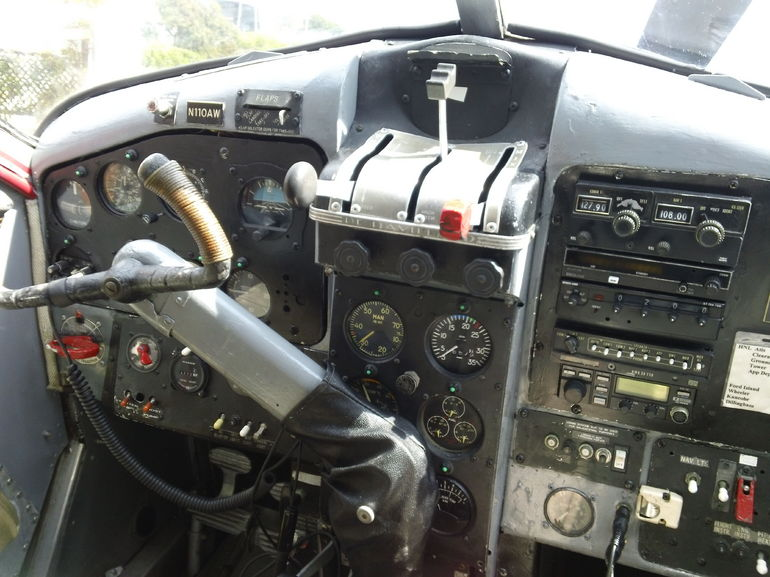 Cockpit - Oahu