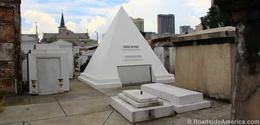 Nicolas Cages' tomb in Louis I cemetery.... , Marco V - October 2017