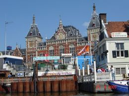 Amsterdam is an interesting city with a beautiful architecture, Olivia Z - May 2009