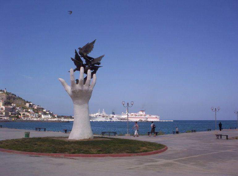 Hand of Peace - Izmir