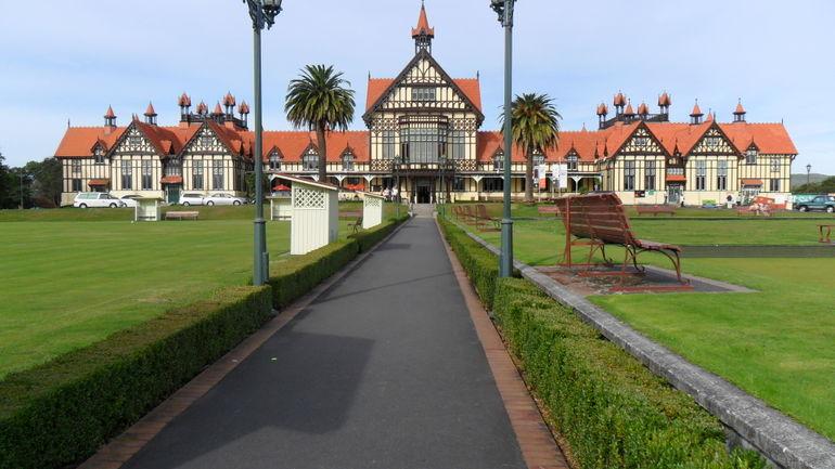 Rotorua - Auckland
