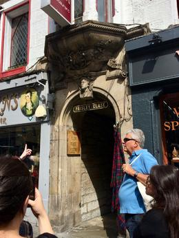 story of John McIvor at Paisley Close.... , Cecelia K - July 2017