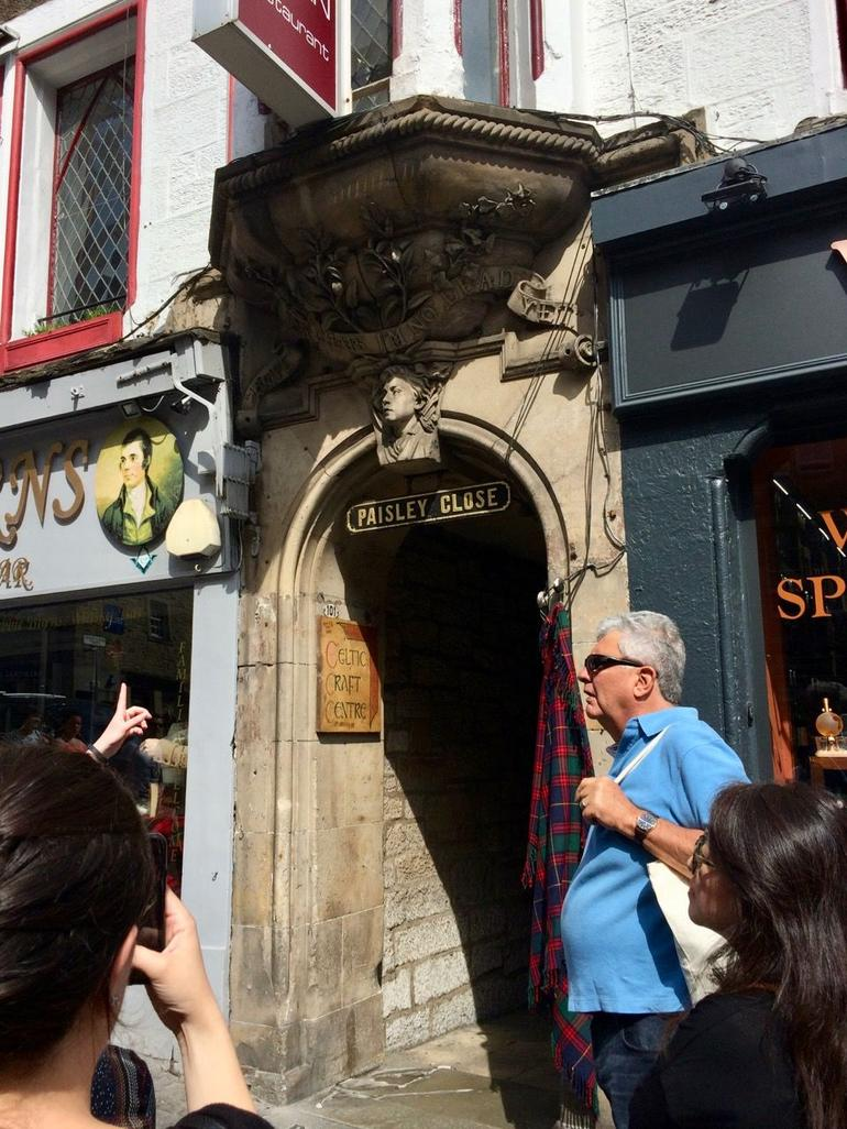 Historical Walking Tour with Optional Skip the Line Entry to Edinburgh Castle photo 25