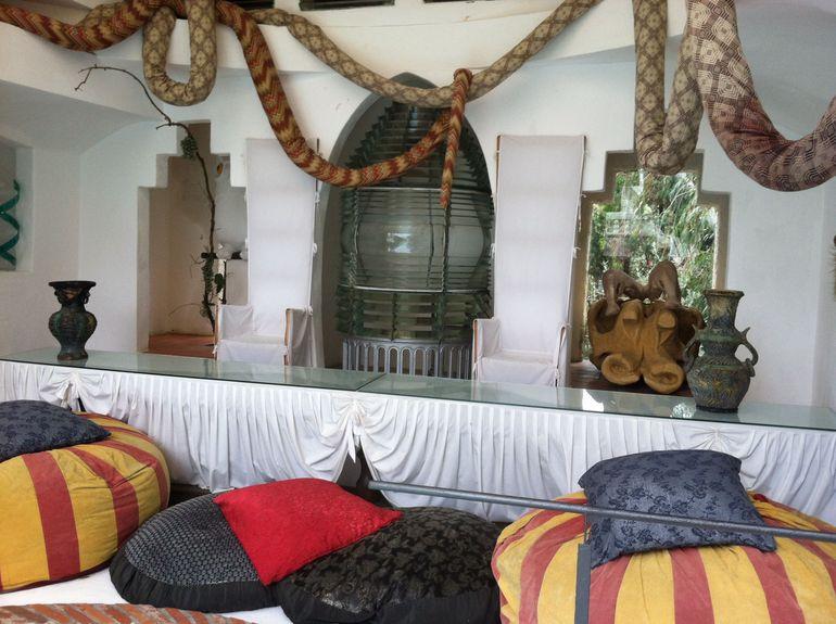 Dali Sitting Room - Barcelona