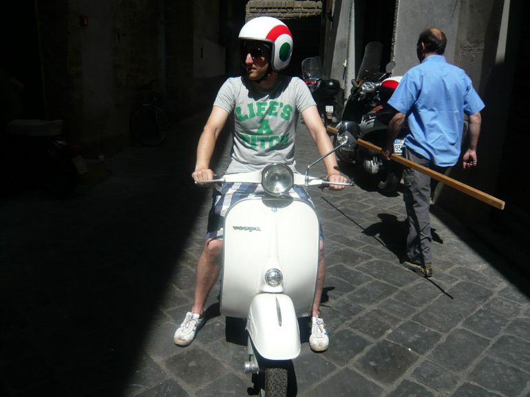 Florence Vespa Tour: Tuscan Hills and Italian Cuisine - Florence