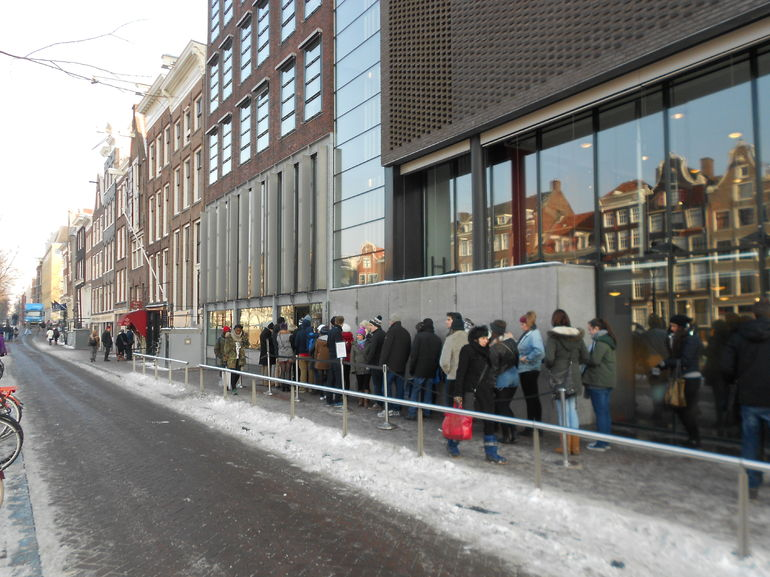 Line to get into The Anne Frank House - Amsterdam