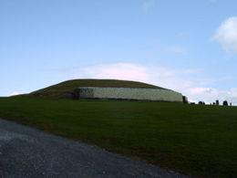 Newgrange tomb , gerald d - June 2011