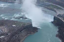 Niagarafälle aus der Nähe , Anja L - December 2014