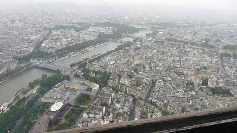 Rainy view of Paris - Paris