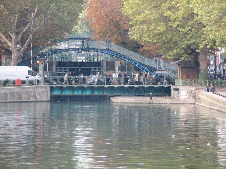Swing bridge - Paris