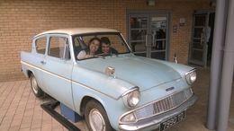 O carro voador dos Weasley é muito legal! , ANA C - July 2014