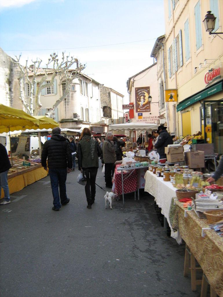 boutiques-saint-remy-tour