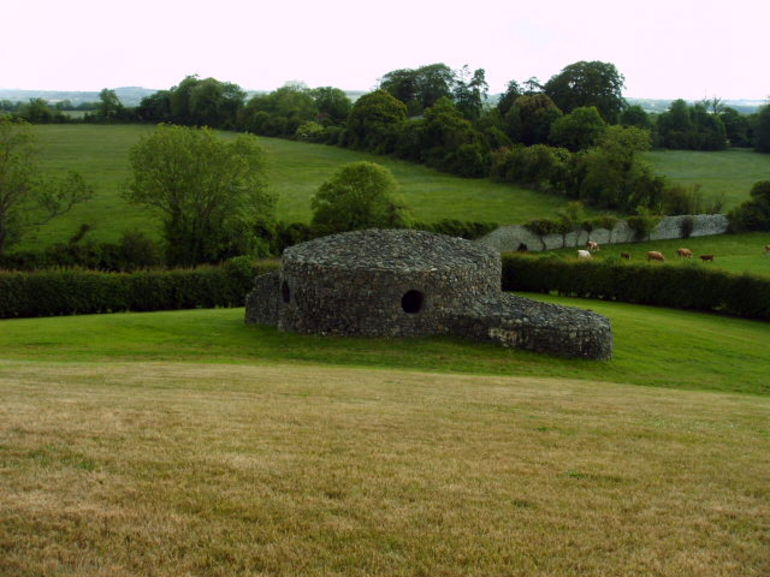 Newgrange tomb - Dublin