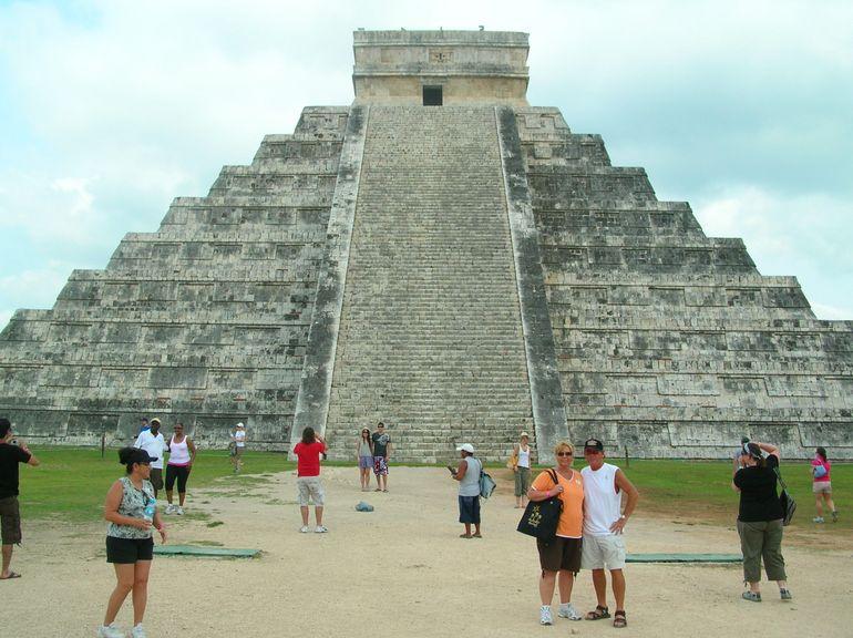 Chichen Itza Pyramid - Cancun