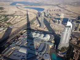 Schattenspiel vom Burj Khalifa , Dieter H - April 2014