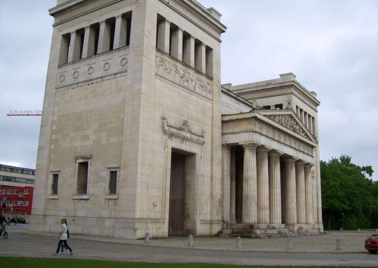Third Reich Walking Tour, Munich: Hitler didn't build it, but.... - Munich
