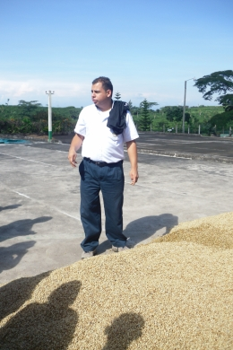 The tour guide talking about how coffee is processed., Shaundrea M - September 2010