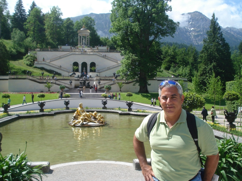A warm day at Linderhof Castle - Munich