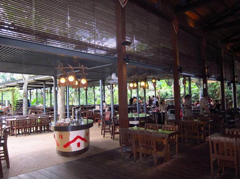 Ah Mah Restaurant (B/F w. Orangutans) - Singapore