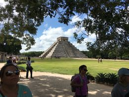 Main temple at Chichen Itza , ecrew404 - August 2016
