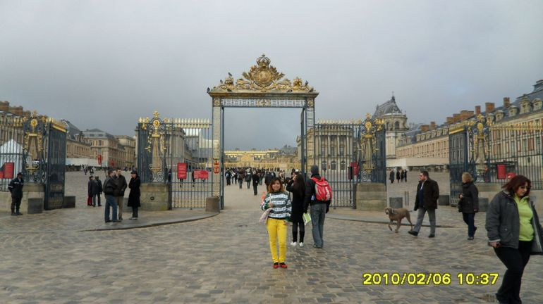 welcome to Versailles - Paris