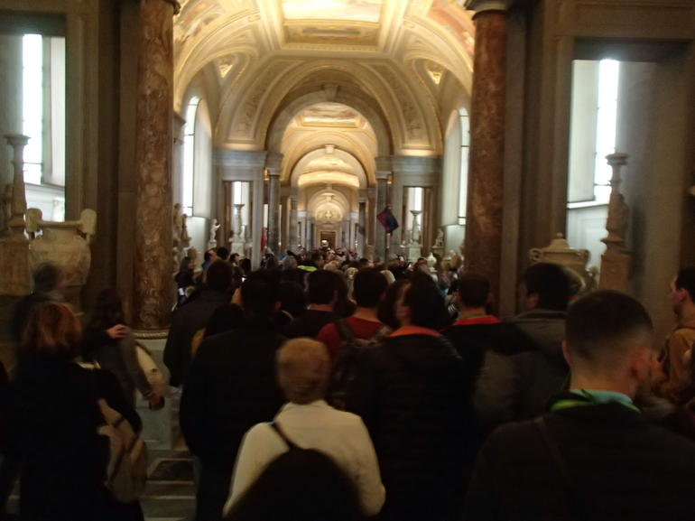Skip the Line:Before Opening Hours-Sistine Chapel Exclusive & Vatican Museums