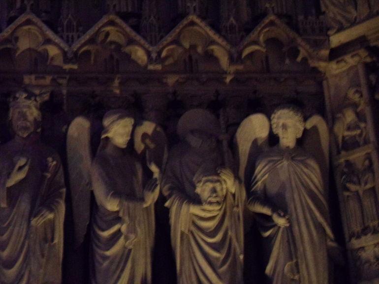 A saint with a missing head - Paris