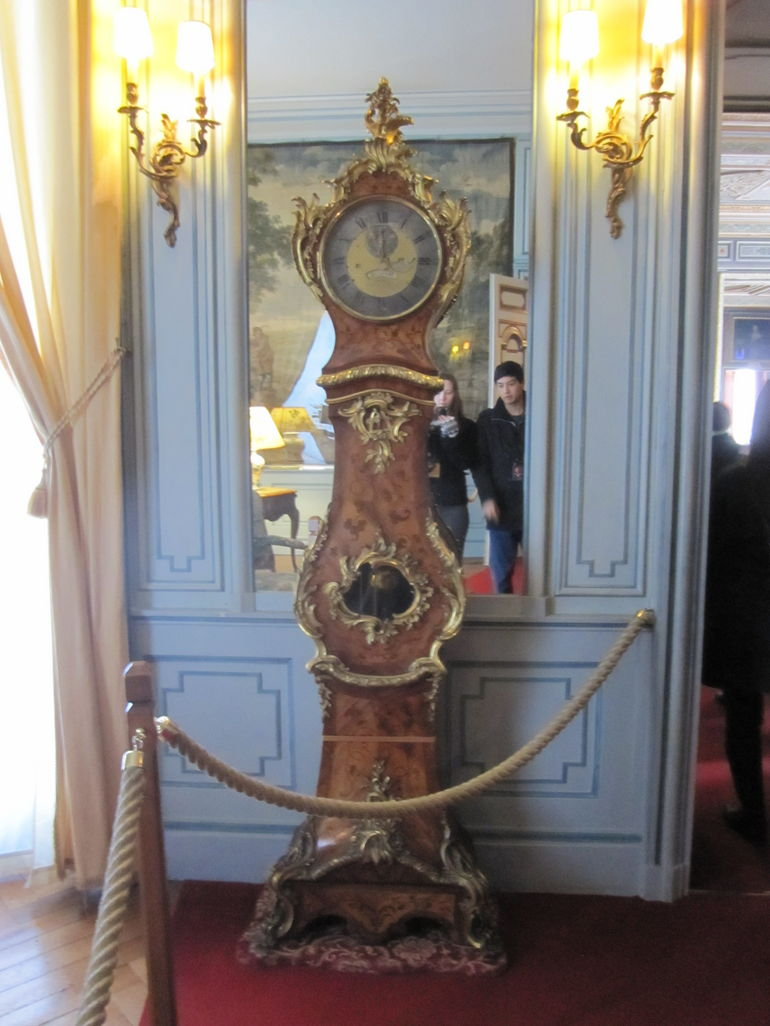 Clock at Cheverny Chateau - Paris