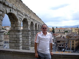 Greg L (Aussie living in Bremen) at the Aqueduct at Segovia , Gregory L - May 2011