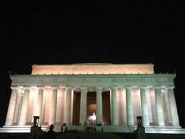 Lincoln Monument by night , Fishuw - September 2013