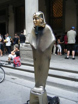 One of four mimes on display outside the Uffizi Gallery., Virginia R - July 2009