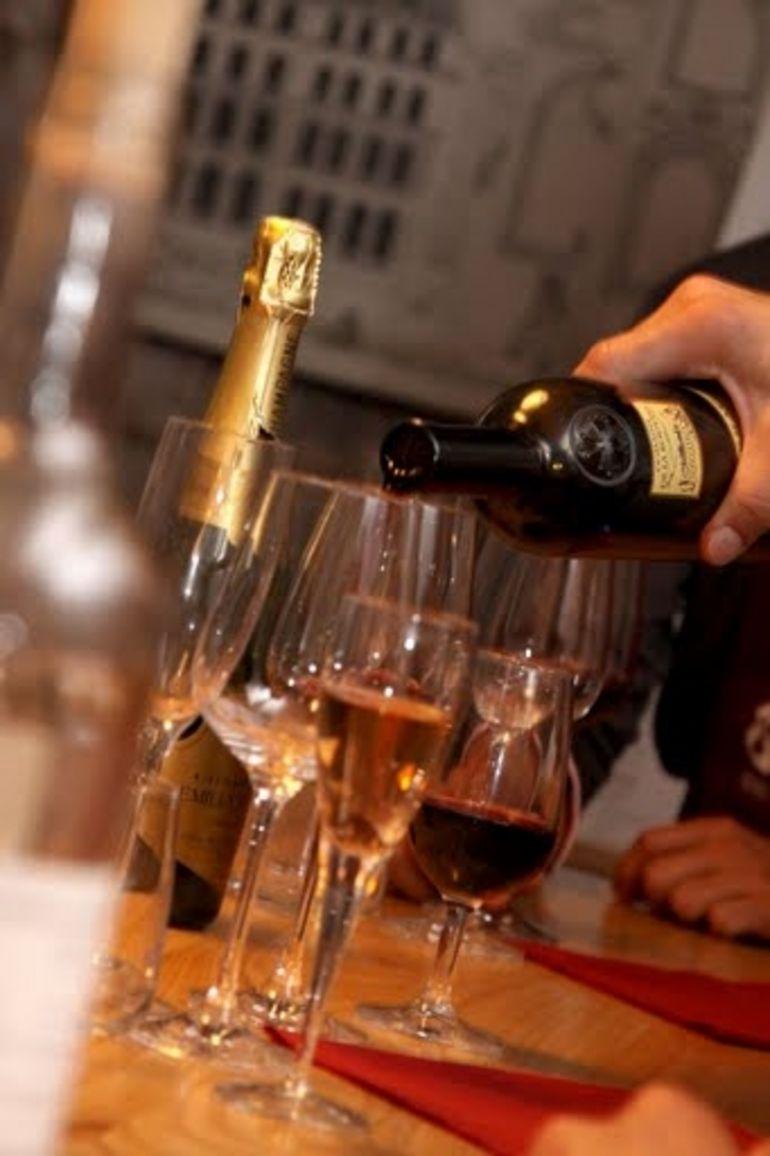 Wine Glasses - Paris