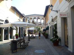 Innenhof , Gina - September 2013