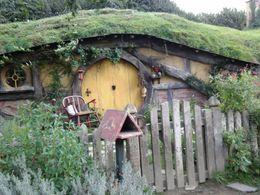 Hobbiton house, Kierra - June 2014