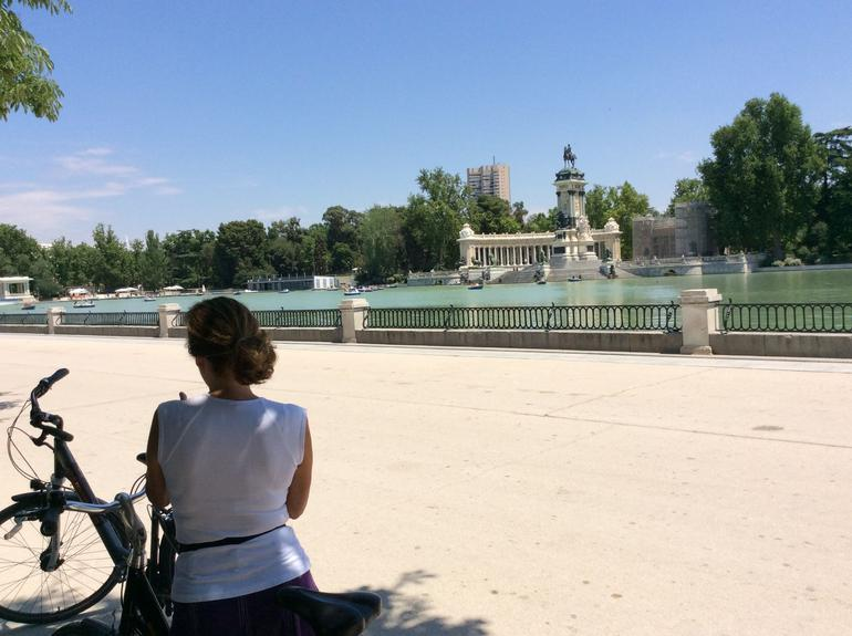 Highlights of Madrid by Bike photo 17