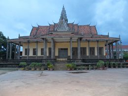 other picture of the temple / monastery , Cedric R - September 2014
