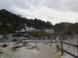 Hobbiton scenery, Kierra - June 2014