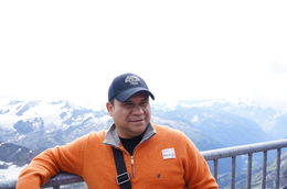 Yo vista de los Alpes , Rafael E R - September 2013