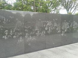 Muro con rostros en el Monumento dedicado a la Guerra de Vietnam , ANABEL G - August 2014