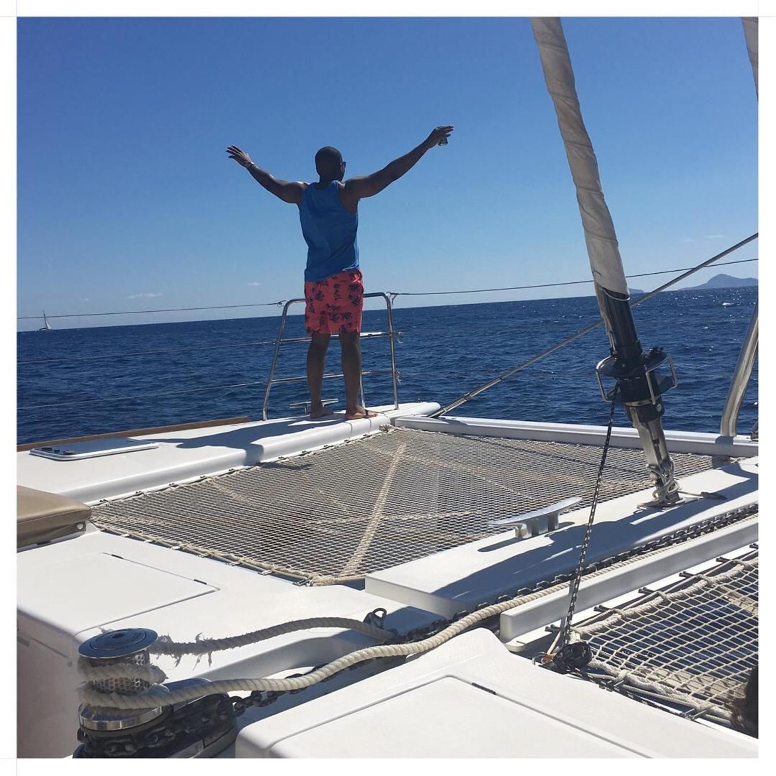 MAIS FOTOS, Cruzeiro em catamarã de luxo em Santorini ao pôr do sol, com churrasco e drinques