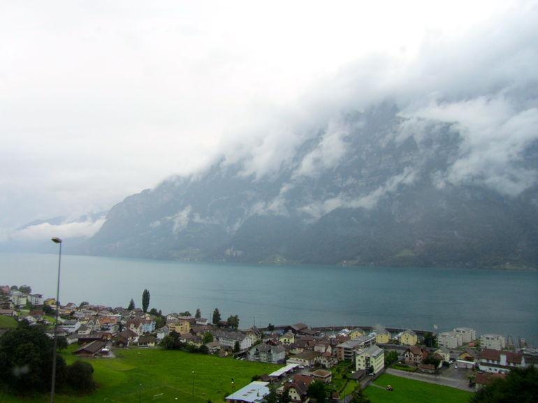 lac-alpine-vue-route-heidi