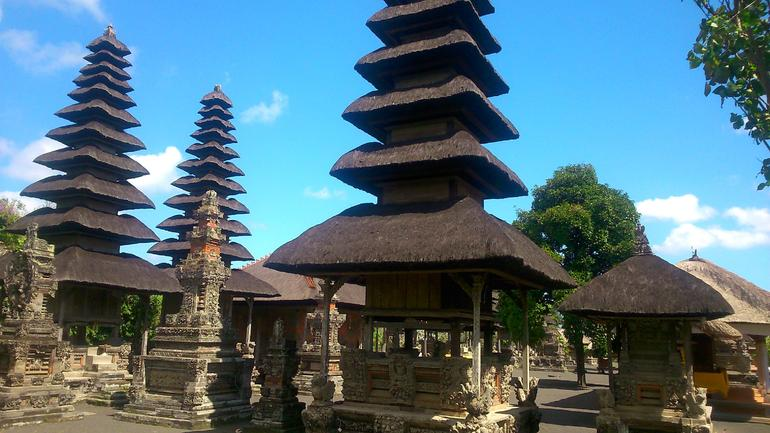 Bali Monkey Forest, Mengwi Temple, and Tanah Lot Afternoon Tour photo 15