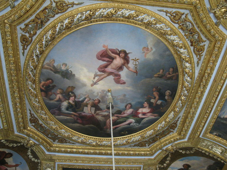 The ceiling of Marie Antoinette's bedroom - Paris