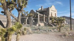 we passed this ghost town, Barbara - February 2015