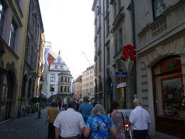 walking to Hofbrauhaus, Irene - August 2015