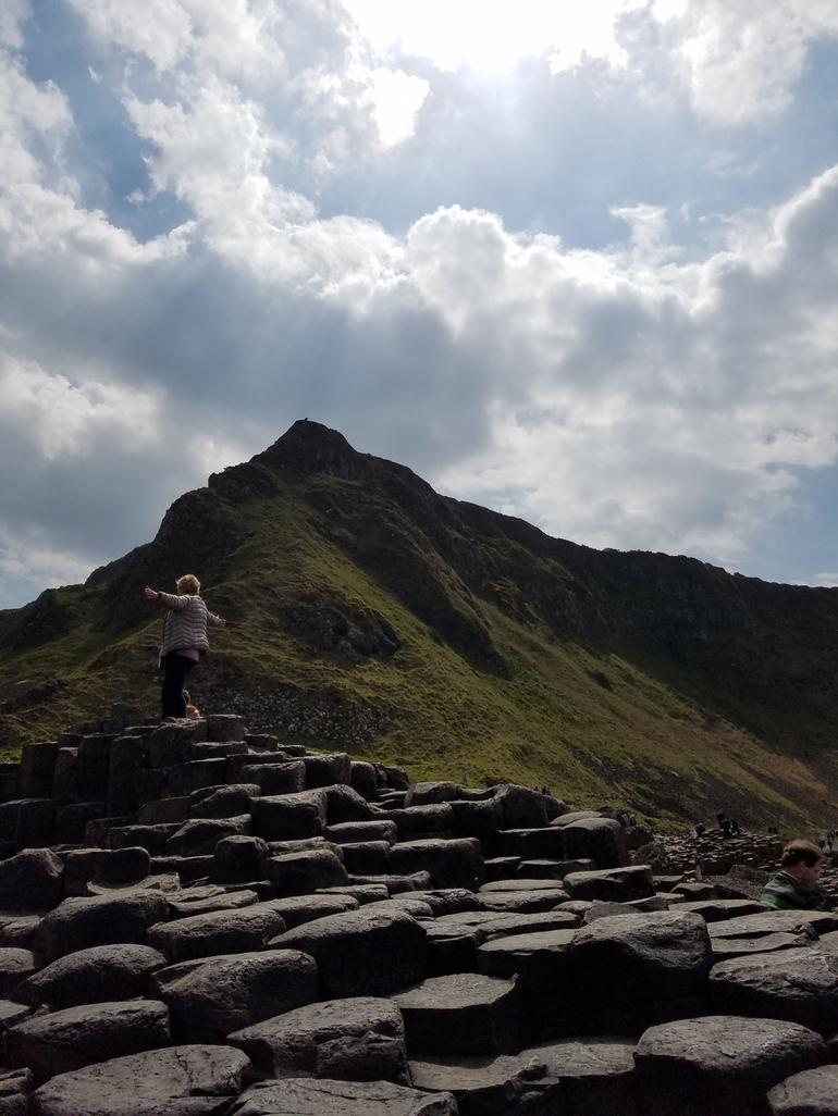 Giant's Causeway and Carrick-a-Rede Rope Bridge Day Trip from Belfast