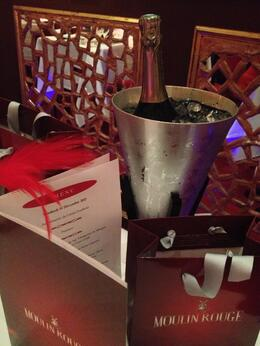 The gift bag, personalized menu and champagne., Nick - December 2012