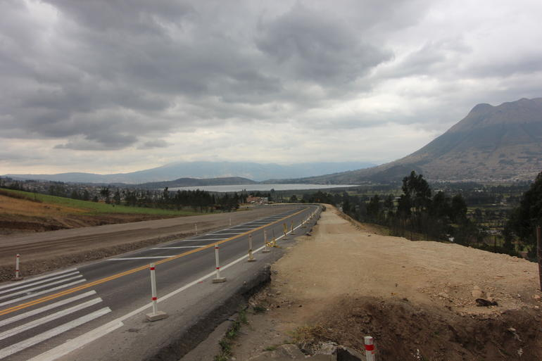 Road - Quito